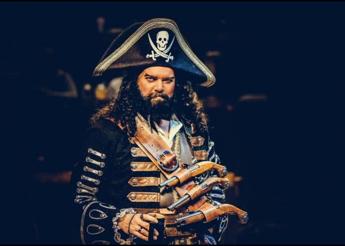 Villainous pirate captain at Pirate's Voyage