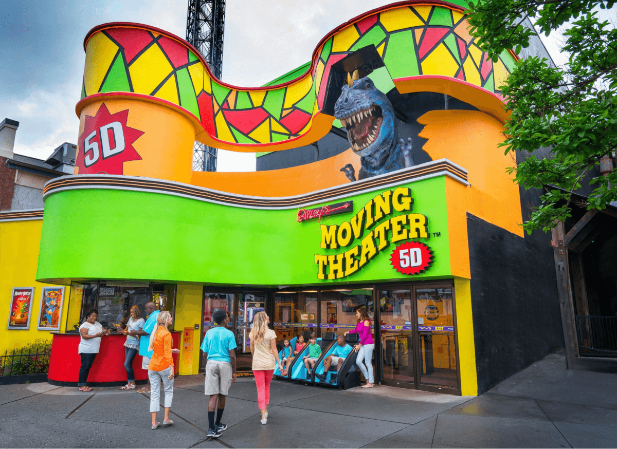 People entering Ripley's 5D Moving Theater