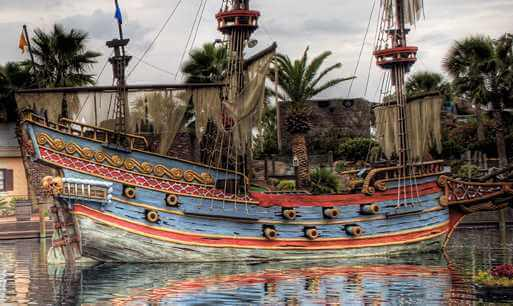 pirate ship mini golf course