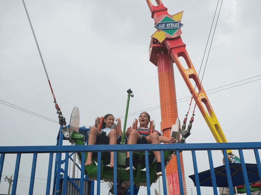 Slingshot at Free Fall Thrill Park