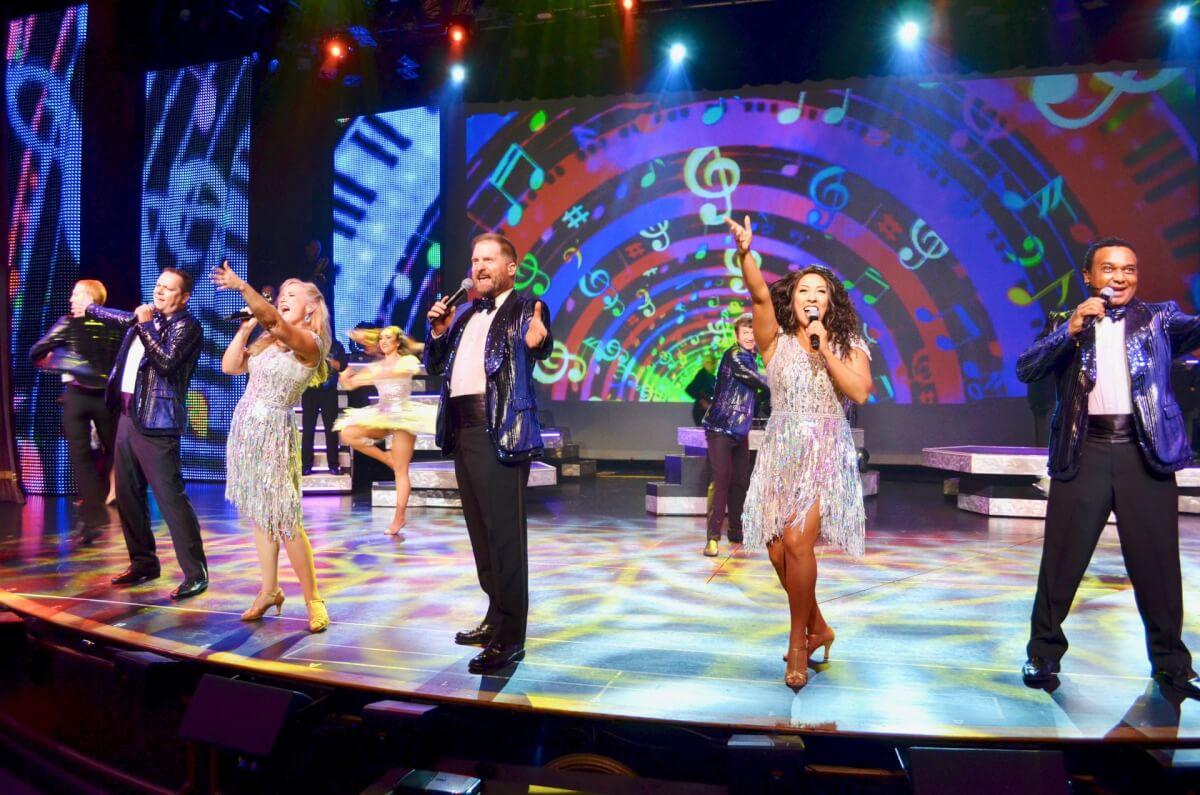 Live performance at Alabama Theatre