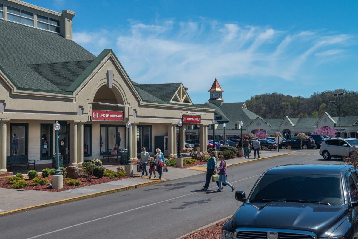 Shop in the Smoky Mountains, TN   MobileBrochure.com