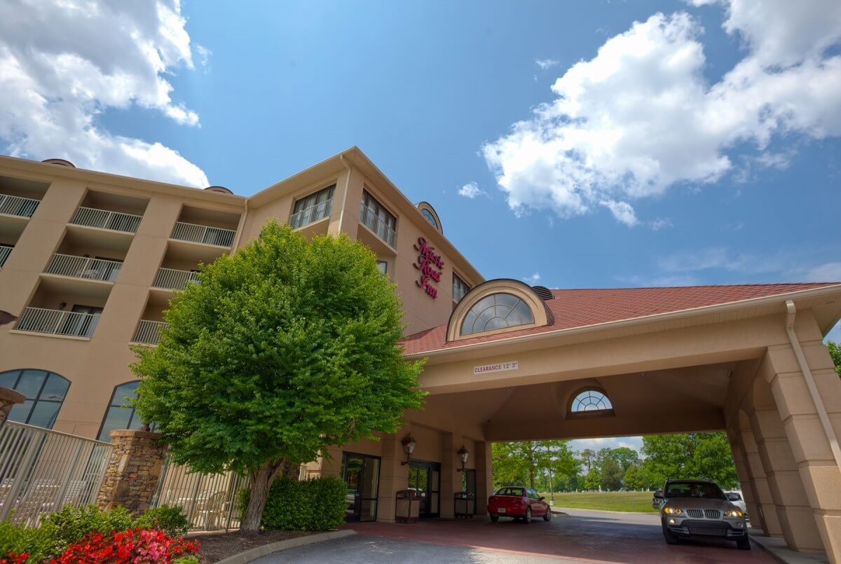 Music Road Resort Front Entry