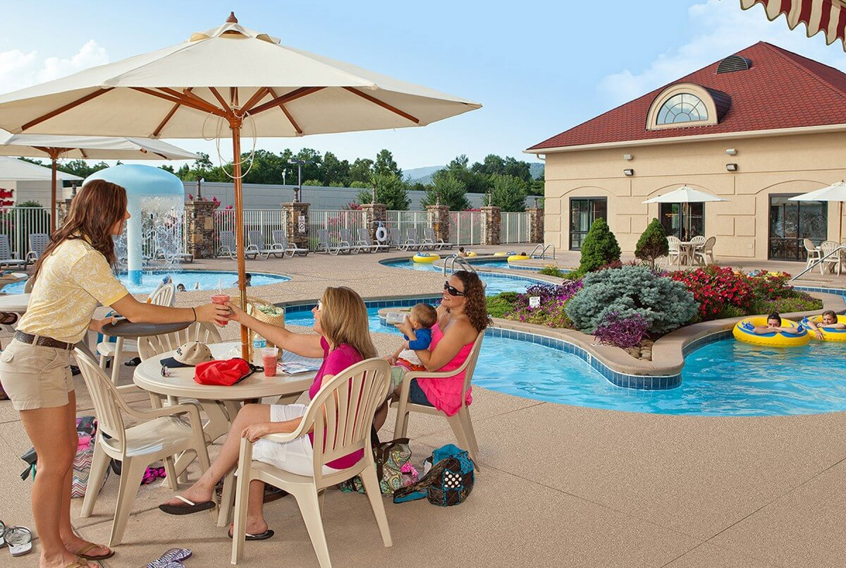 Music Road Resort Inn Poolside Service