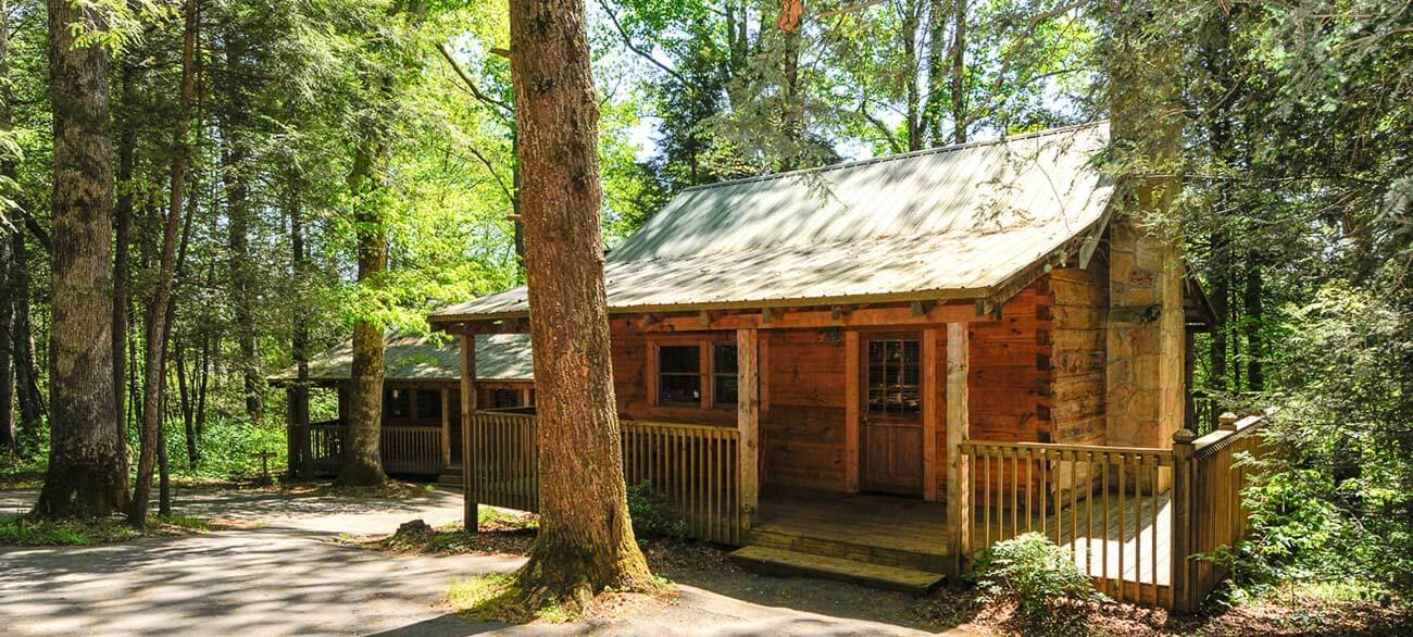 Dancing-Bear-Lodge-1BR-Cabins
