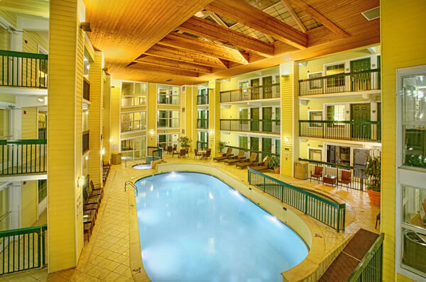 EconoLodge-Indoor-Pool