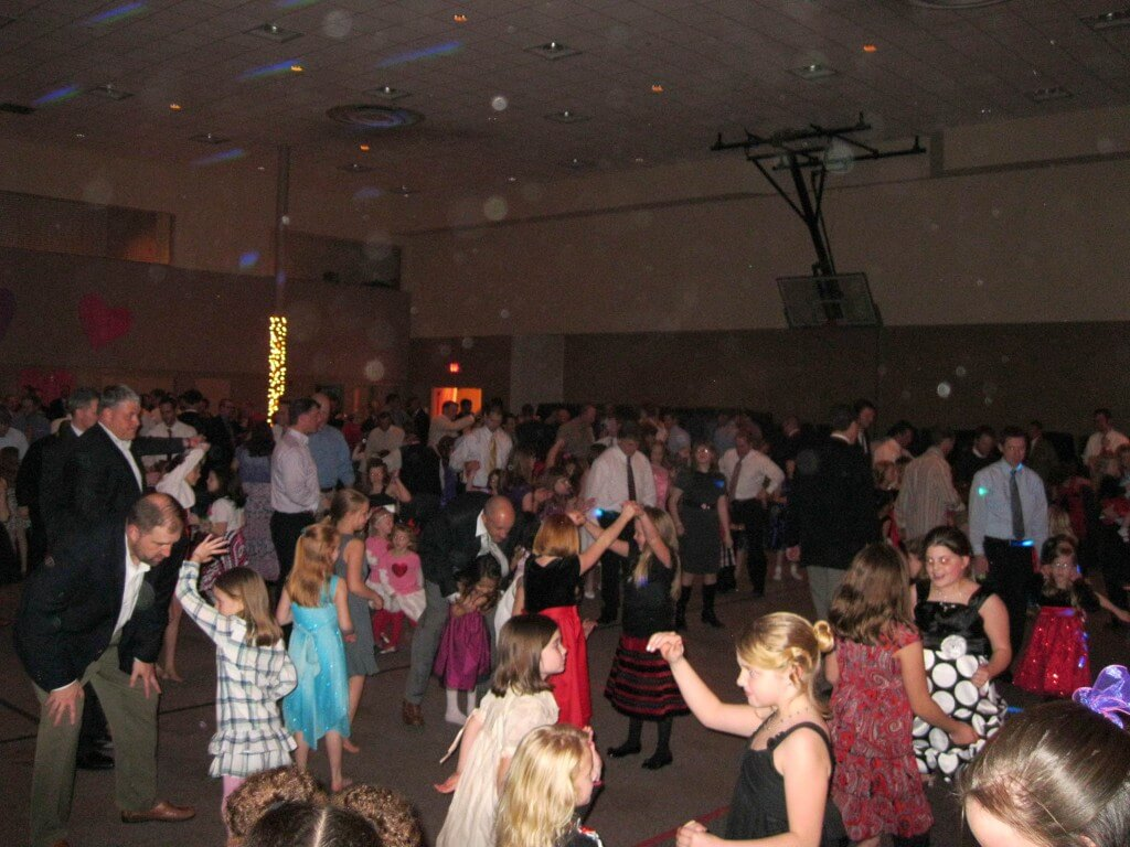 Smokey-Mountain-Sounds-daddy-daughter-dance