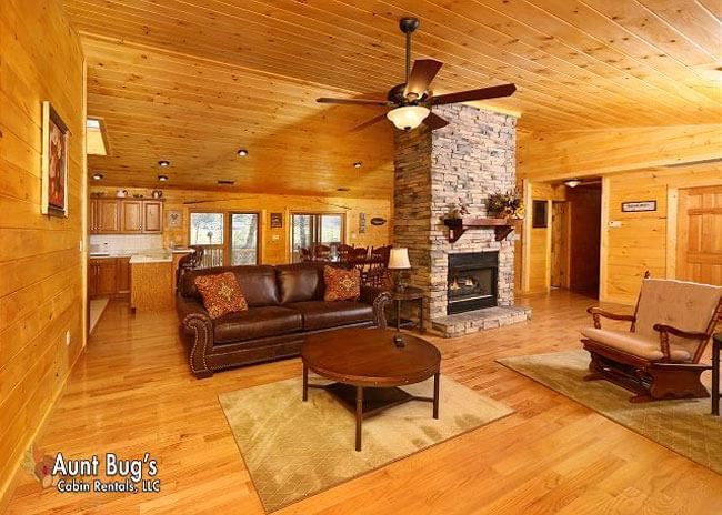 Heavenly Creekside - Aunt Bug's Cabin Rentals