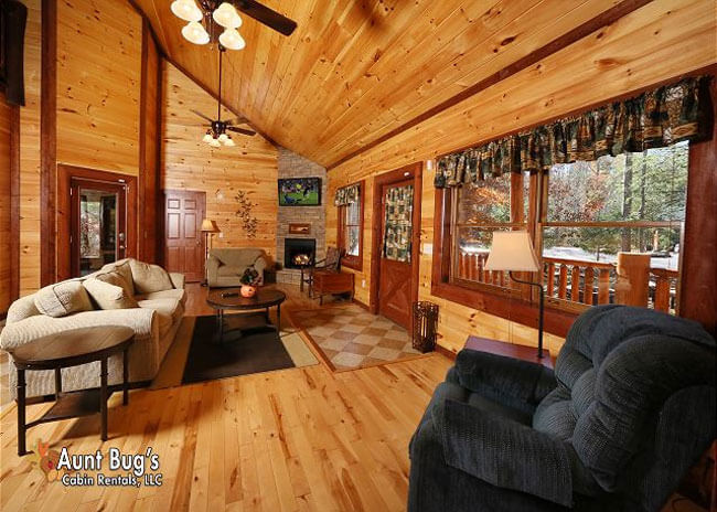 Splash N' Play - Aunt Bug's Cabin Rentals