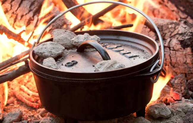 Lodge Factory Store - Deep Camp Dutch Oven