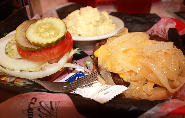 Mel's Onion Burger - Pigeon Forge, TN
