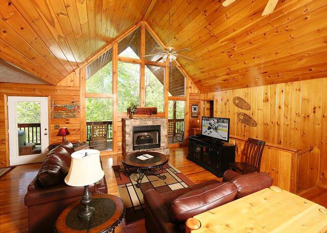 Hakuna Matata Cabin at Eden Crest in Sevierville, TN