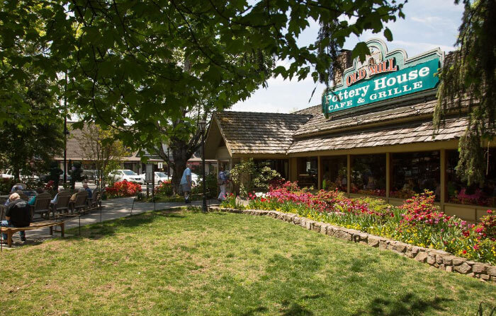 The Old Mill Pottery House & Cafe - Pigeon Forge, TN