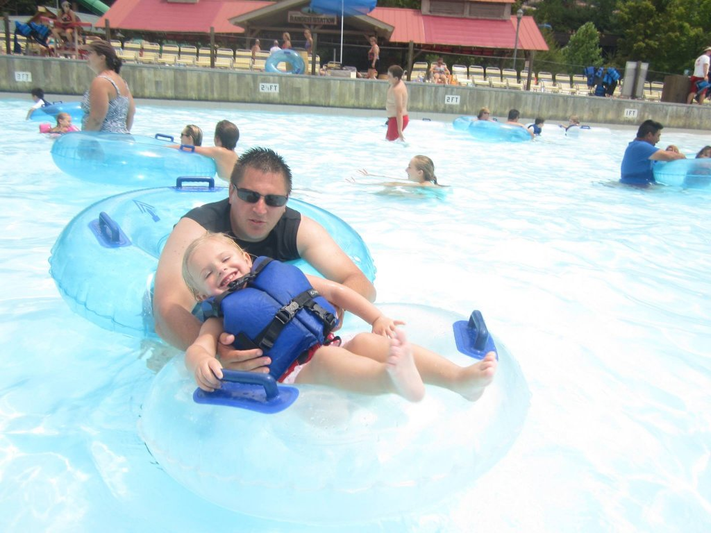 Dollywood's Splash Country - Wave Pool
