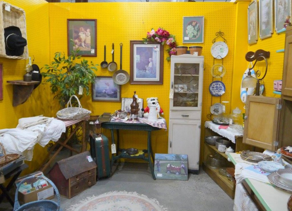 The Village Antique and Home Decor Mall of Sevierville