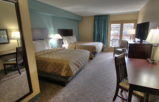 Greystone Lodge on the River - Queen Guest Room