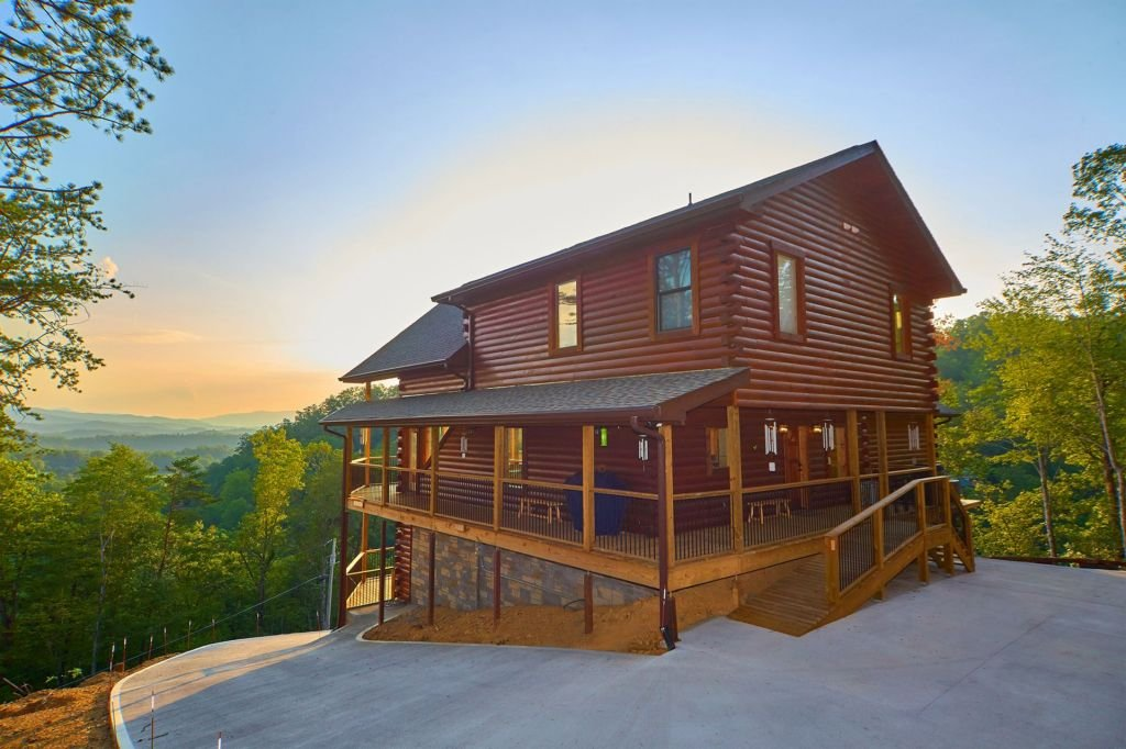 The Windchimer by Cozy Mountain Cabin Rentals - Cabin Rentals in the Smoky Mountains