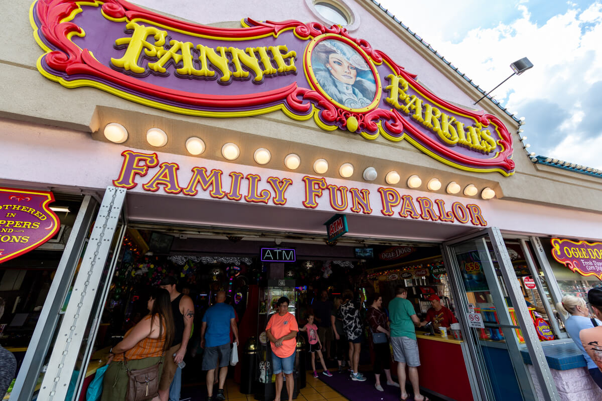 Fannie Farkles Family Fun Parlor - downtown Gatlinburg
