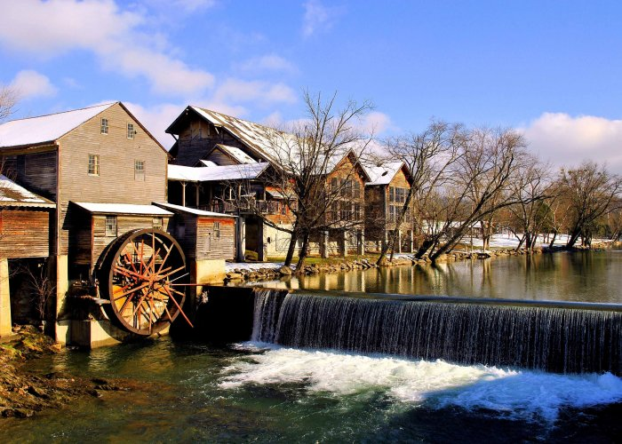 Top 5 Places to Visit in Pigeon Forge