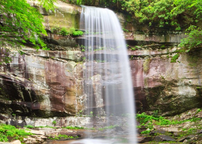 The Best Smoky Mountain Waterfalls to Visit