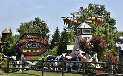 Ripleys Old Macdonald's Farm - Mini-Golf Course in Sevierville, TN
