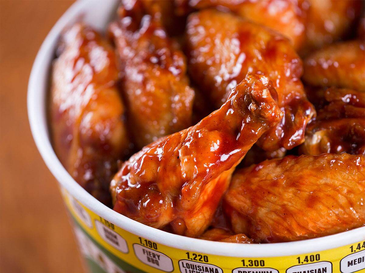 Hot wings from Quaker Steak & Lube of Sevierville, TN
