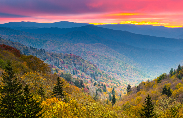 7 Most Scenic Places to Visit in The Smoky Mountains