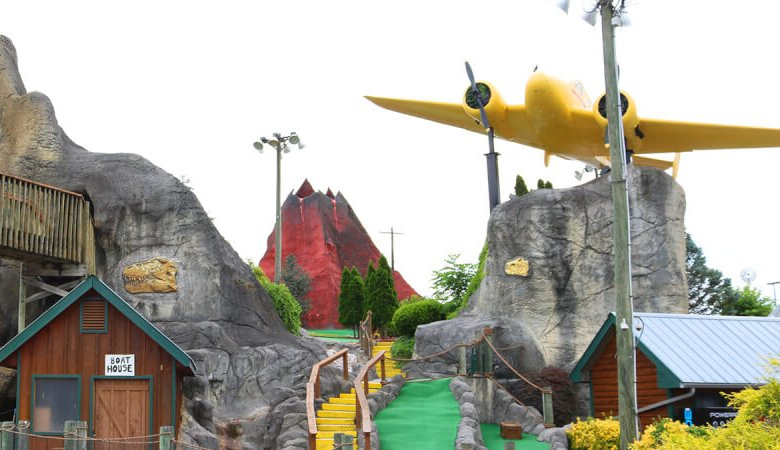 fun miniature golf course