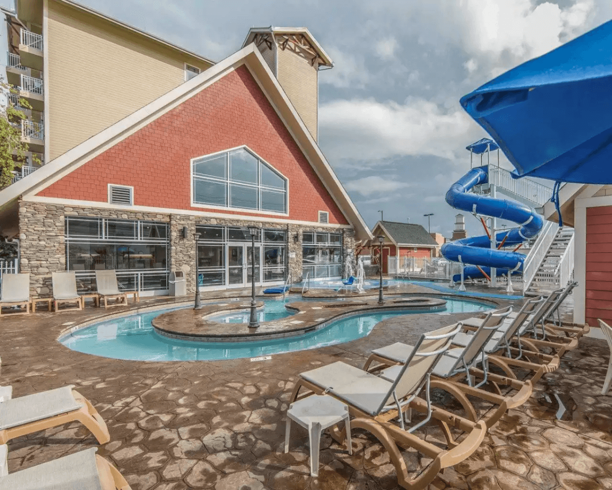 Pool and water slide at Clarion Inn - Dollywood Area