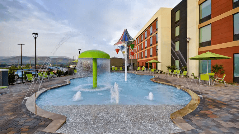 Pool with fountain at Tru by HIlton Pigeon Forge