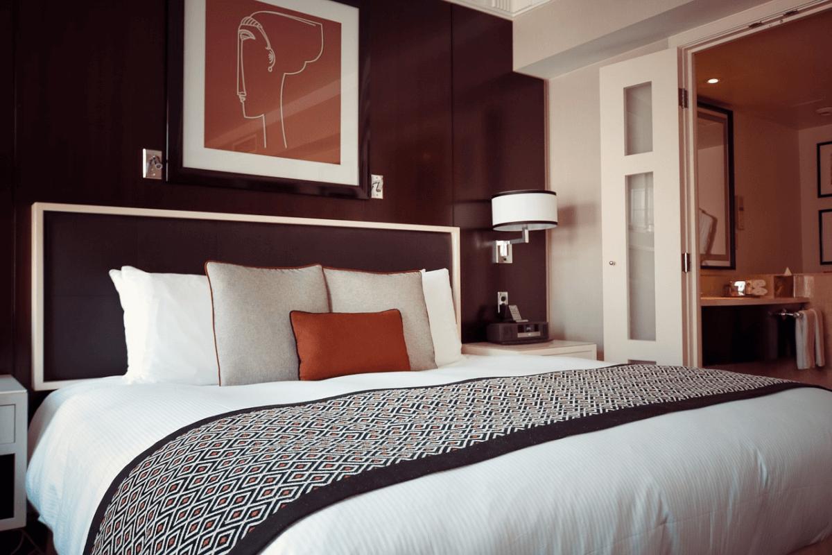 clean hotel room - Comfort Inn & Suites at Dollywood Lane