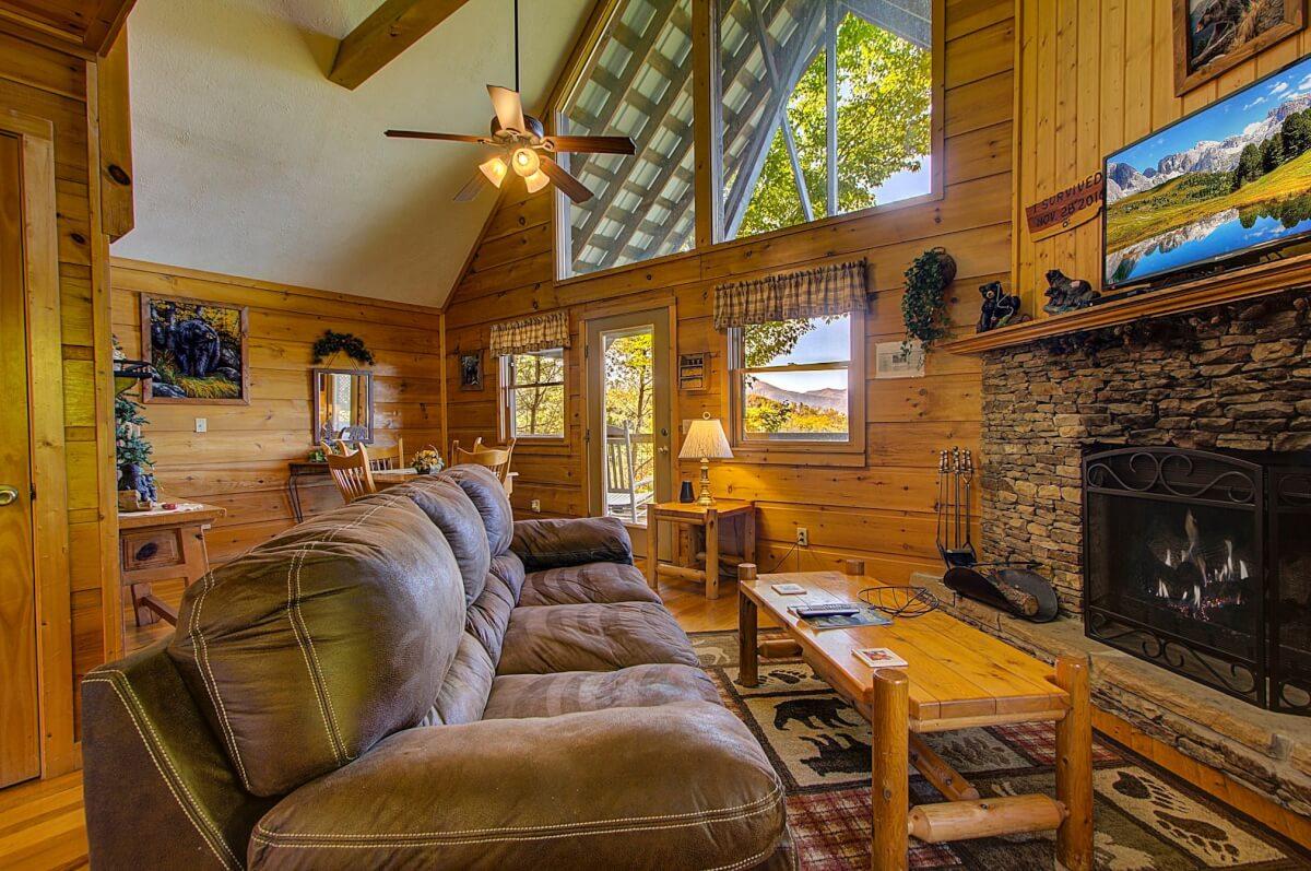 Cabin in the Mountains - Diamond Mountain Rentals Gatlinburg