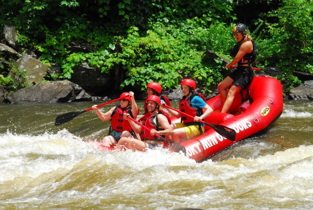whitewater rafting in Pigeon Forge